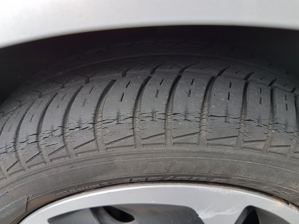 Tire Crack Filler : Why do car tyres crack prevention possible the neobahn